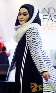 Fashion Hijab ala UK